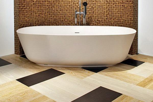 Клеевая плитка ПВХ для ванной комнаты